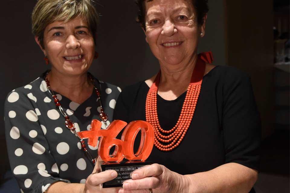 Entrega de premios B60+ Bilbao, Mª Luisa Mendizabal y Merche Arribas