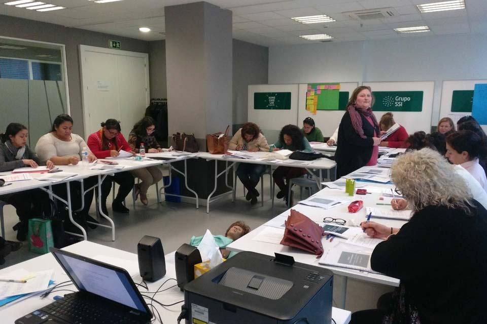 mujeres migradas en el sector de los cuidados